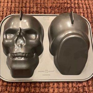 William Sonoma skull cake pan